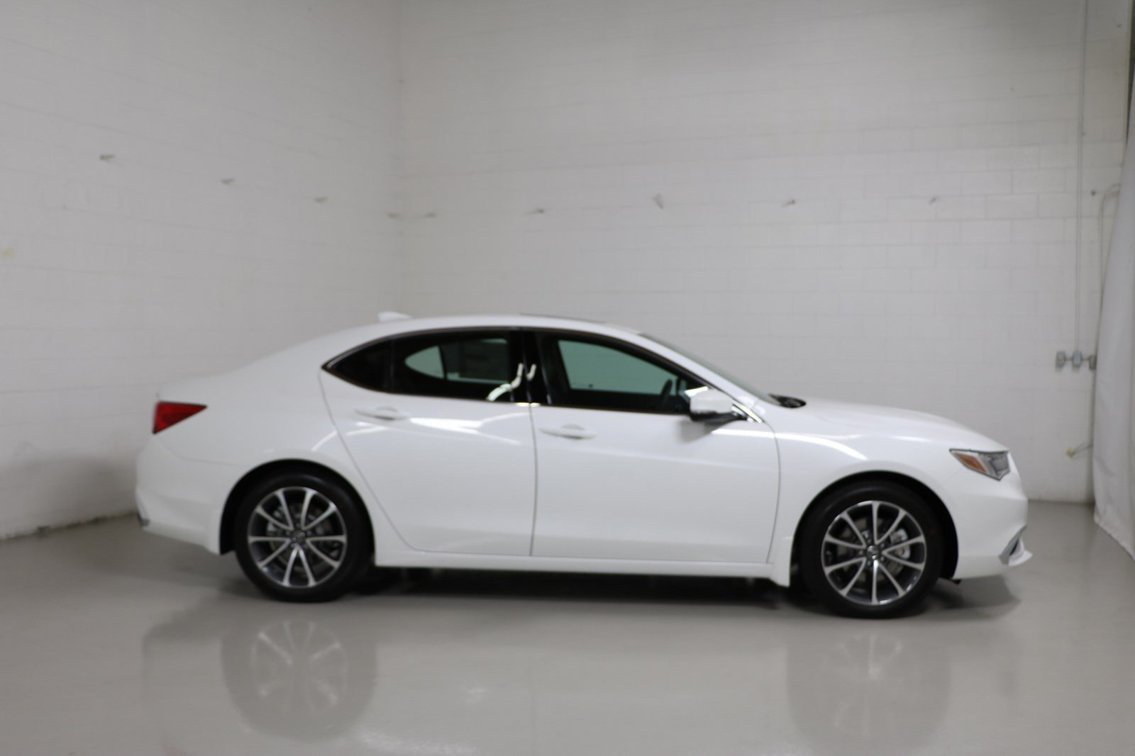 2018 acura tl.  acura new 2018 acura tlx 35 v6 9at shawd in acura tl