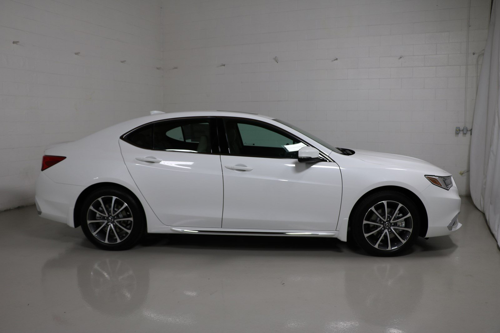 2018 acura tlx white. interesting acura new 2018 acura tlx 35 v6 9at shawd with technology on acura tlx white